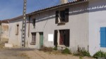 house with 2 beds, courtyard, attached barn, Néré