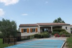 3 bedroom single story house, pool, large gardens and views. Aude