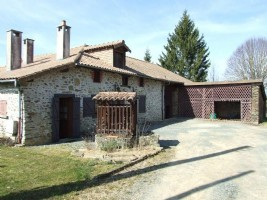 Fermette with attached barn and seperate barn on 4638m²  of land