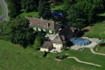 Farmhouse with gîte and 3 studio apartments with indoor pool and outdoor pool.