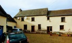 Close to broons: refurbished 4 bedroom farmhouse with outbuildings