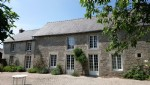 Close to broons: delightful longere in quiet hamlet location with half an acre