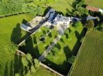 Jugon les lacs-magnificent manor with its outbuildings and its wall.