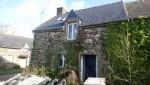 Saint goueno:  stone cottage to renovate with 615m2 land