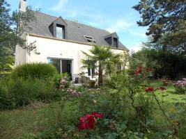 Montgermont - contemporary house for sale, quiet, 5 bedrooms, enclosed garden
