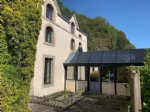 Dinan port, beautiful set of offices with 1 parking space, courtyard and garden.