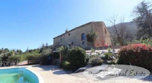 17th Century Mas Catalan, 6 bedrooms, huge living spaces, 2 gîtes, magnificent views, pool with
