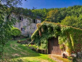 Near Figeac (Lot) - A superb character house in a rural