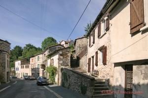 Nontron (Dordogne) - Charming three bedroom cottage , small garden, short walk into town centre