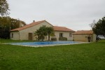 Detached rural house with pool