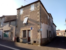House to renovate in a historic town