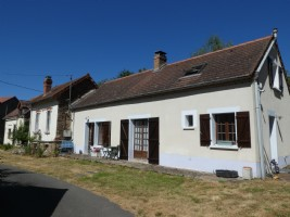 Charming house and 5718m² of land.