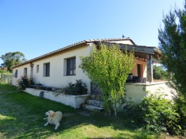 House with 165 M² - 4 bedrooms - land about  4990 M².