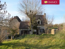 Country House set on a 755 m² Land.