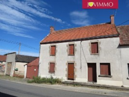 Large 5-bedroom townhouse with garden and garages