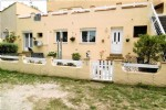 *Charming ground floor 3 bedroom apartment with garden, close to village and beach
