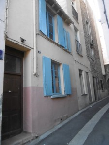 Charming town house, 3 bedrooms, set in a quiet street in the center of the village