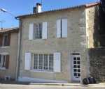 Town House with 3 Bedrooms and Enclosed Garden in Champagne Mouton