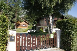 Charming property with 2 savoyard chalets by the side of Annecy lake