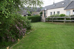 Farmhouse with outbuildings and 7 hectares of land