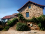 Spacious and beautifully converted tobacco barn. 6 beds, pool, hot tub, stunning views