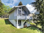 Cosy chalet with 5 bedrooms, 3 bathrooms, garage and panoramic views of the slopes.