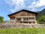 Rare alpine farmhouse of 2 apartments, mazot and 100m2 hayloft to renovate