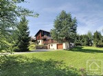 A sizeable, 4 bedroom chalet less than 500 metres from the new Vercland gondola.