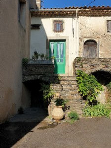 Cute renovated village house with 40 m² of living space, an ideal holiday base !