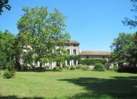 Domaine with Maison de Maitre and gites set within 3,3 hectares of unspoilt parkland.