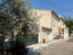 Fully renovated former winegrower home with 135 m² living space plus attic, garden and garages.