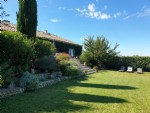 Fully renovated barn with 193 m² of living space and plot of 945 m² with superb views !