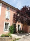 Character home to finish renovating with 230 m² of living pace, barn and garden with pool.