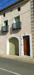 Renovated winegrower's house with 6 bedrooms, large garage and a pleasant garden !