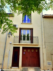 Very sound and comfortable village home with 85 m² of living space and garage.