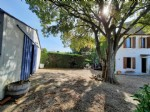 Stone home with 105 m² of living space to renovate on 550 m² of land with hangar of 80 m².