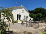 Pretty home on 1270 m² with views, 80 m² of living space, attic and garage to convert.