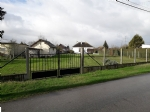 Building plot of 976 m2, fence with barrier