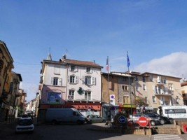 Beaurepaire - duplex to renovate