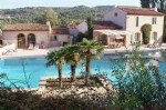 In the immediate vicinity of the A 8 motorway, at the entrance to the city of Aix en Provence