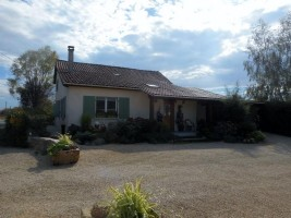 Farmhouse for sale 4 bedrooms 152448m2 land ,Very good condition ,Over 1 acre land