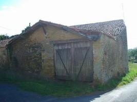 Near Bazoges en Pareds Barn for renovation.