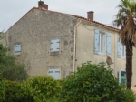Village house with 3 bedrooms, barn and garden, Néré