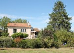 Aude Comfortable renovated 4-bedroom house with large outbuildings, gardens and plot