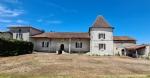 17th century logis to renovate. Charente