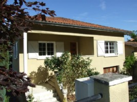 For Sale : 2 bedroom Town House over basement in CHALAIS, Charente