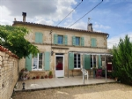 Large 3 bed Charentaise house, pool, garden, Aulnay