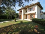 Traditional house, 7 bedrooms, 1646m² of land.