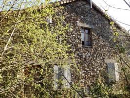 House to renovate in quiet hamlet