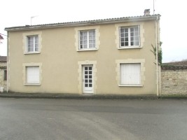 Sale   house / villa  Marcillac-Lanville (16140)